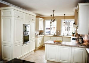 traditional-kitchen-custom-carpentry-07