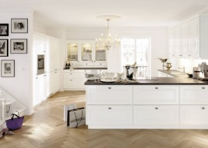 traditional-kitchen-custom-carpentry-11