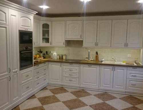 Traditional kitchen custom carpentry 16